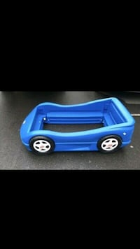 Blue car toddler bed. Good condition. Indianola, 50125