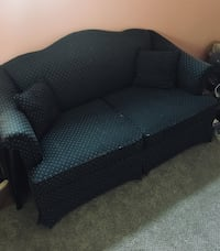 Loveseat Couch Pasadena, 21122