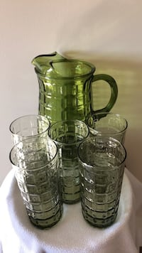 VINTAGE PITCHER AND 5 MATCHING GLASSES LIKE NEW Hanover, 21076