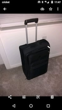Carry on size Luggage Arlington, 22207