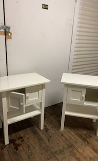 2 white end tables / storage  45$$ for both Rockland, 02370