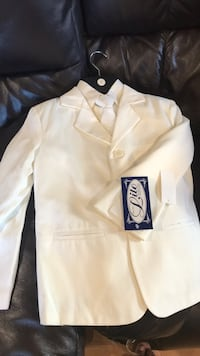 suit. size 7 brand new all included Salinas, 93907