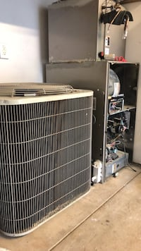 Air conditioner , gas Good condition Springfield, 65802