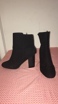 Pair of black wedges size 9.5 H&M Springfield, 97478