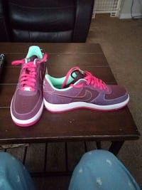 pair of black-and-pink Nike sneakers Reynoldsburg, 43068