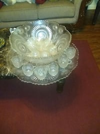 large cystral punch bowl 15 cups Bridge City, 70094