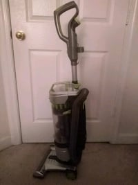 black and gray upright vacuum cleaner Herndon, 20170