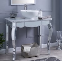 Negotiable! Never used ! SET Mirrored vanity, marble top with mirrored base, unique item. Laval, H7X 1S6