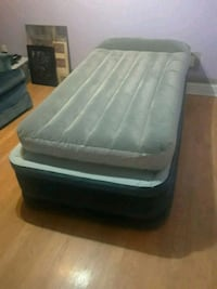 Twin size two air mattresses brand new hardly used Louisville, 40229