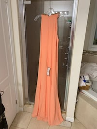 Party dress with a price tag new Waterloo, N2V 0B9