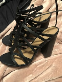 Women's heels call it spring black size 8.5 Surrey, V3S 3J4