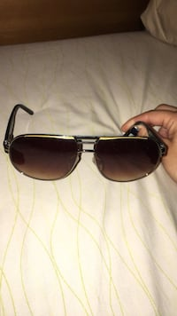 Black framed ray-ban sunglasses Laval, H7L