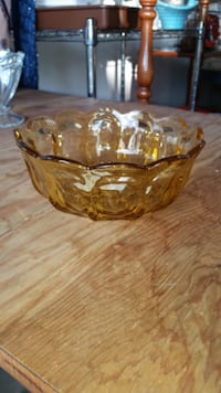 1960's amber dish SOUTHBEND