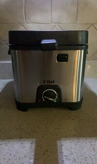 Mini Deep Fryer Surrey, V3S 3M5
