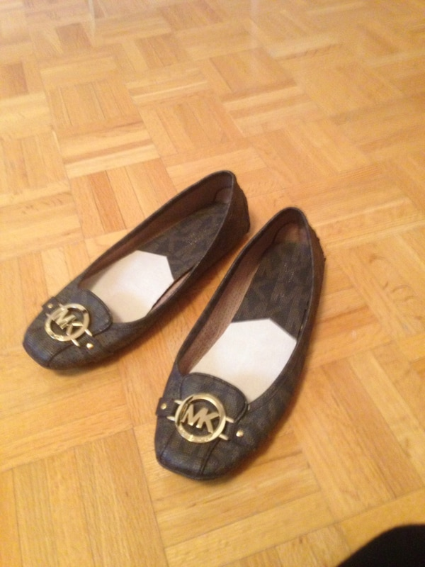 Michael Kors shoes size 91/2 M gently used