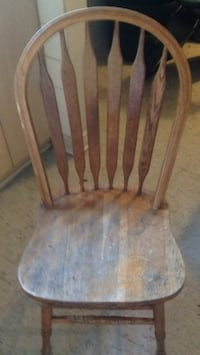 4 wooden chairs best offer St Catharines, L2S