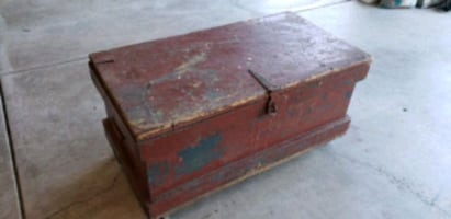 Rustic Coffee Table (Old Tool Chest)