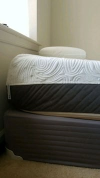 Must sell by Friday memory foam mattress Jessup, 20794