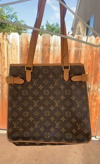 LV bag Los Angeles, 90012