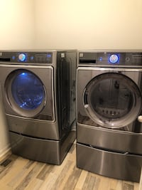 Kenmore Elite washer and dryer with pedestals- Metallic Silver Chicago, 60615