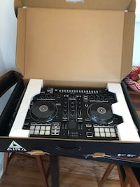 ROLAND DJ-505 DJ Controller - LIKE NEW Los Angeles, 90019