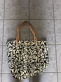women's black and white printed tote bag London, N5V 4N9