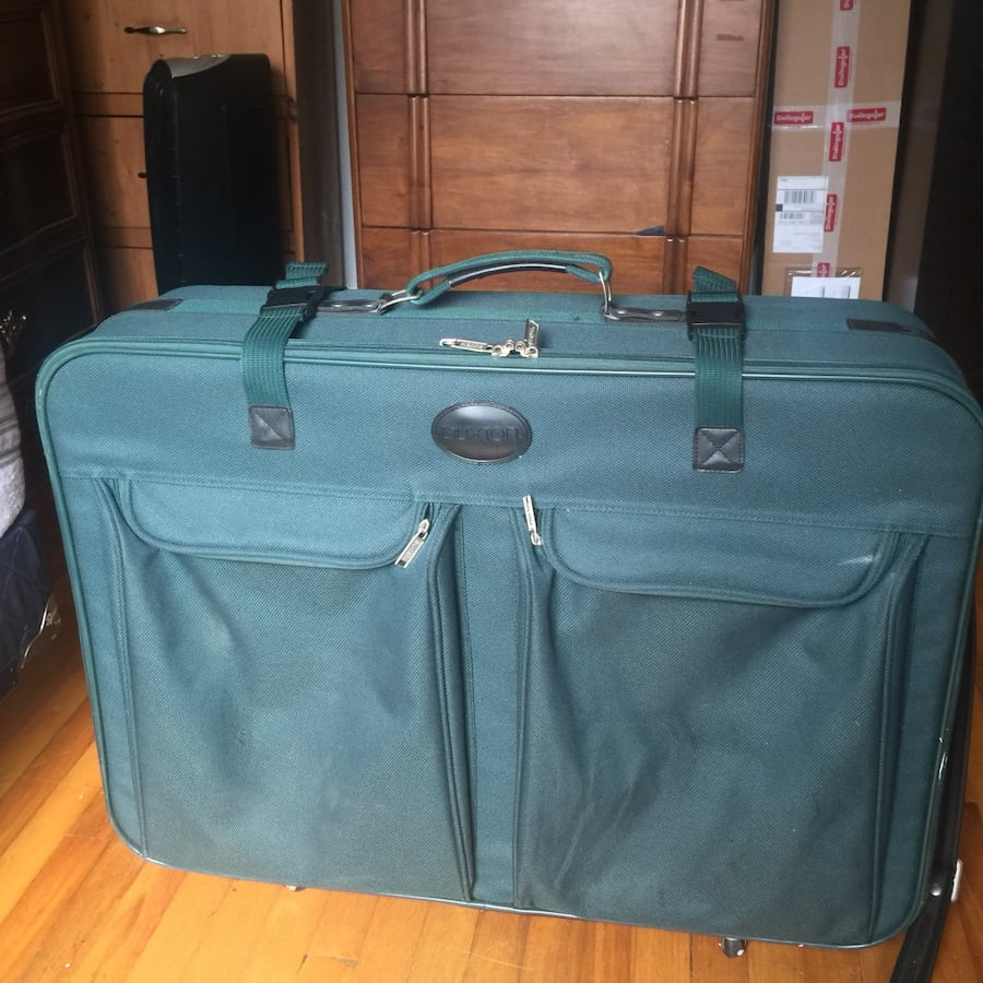Buxton luggage 21.5 x 8.5 x 21.5