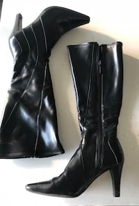 Women's Boots - Size 6 535 km