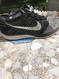 Nike flyknit Racer size 10. Great condition.  Schenectady, 12303