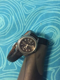 Timex analog watch with leather strap Toronto, M6S 2Y4