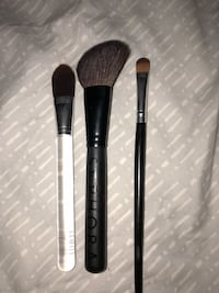 Make up brushes  40 km
