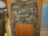 Camo crop sweater Port Dover, N0A 1N0