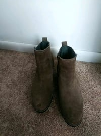 pair of brown suede boots Severn, 21144