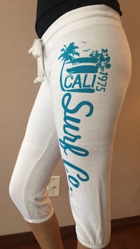 Size Medium capris sweats Calgary, T1Y 6P7
