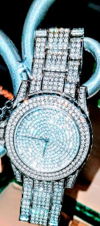 Womens stunning diamond encrusted watch  Pasadena, 21122