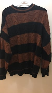 Medium striped knitted sweater Vancouver, V5K 3E2