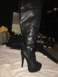 Black leather knee high boots Albuquerque, 87123