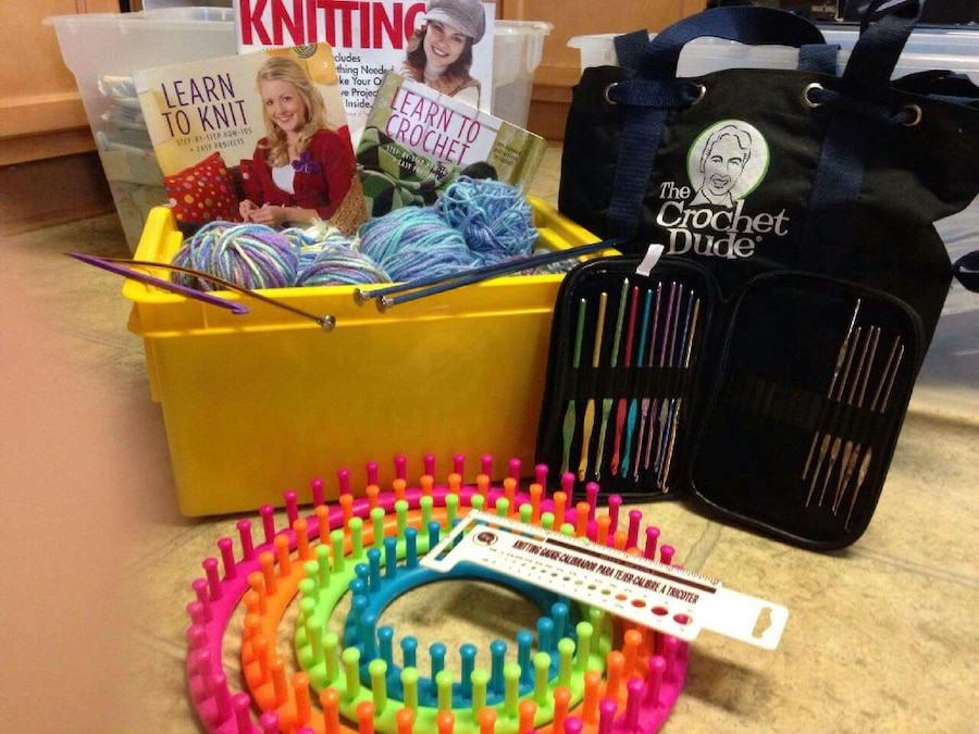 Knitting Materials For Beginners : Letgo knitting supplies for beginners in aberdeen nc
