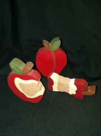 Handmade Wood Apple Set  3 pieces  Pìck up in Edmo