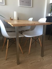 Wooden table with metal legs (chairs sold separately $40 each) Vancouver, V6A