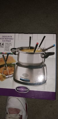 stainless steel and black Crock-Pot slow cooker box Germantown, 20874