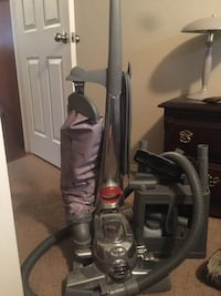 kirby vacuum cleaner 1500.00 new,,, excellent condition,, all attachments as well as shampooer Tulsa