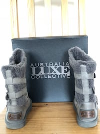 Genuine Shearling Boot size 7 Cliffside Park, 07010