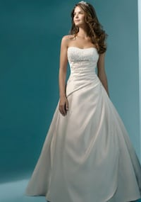 Alfred Angelo Style 1136 Size 2 New Hanover, 21076