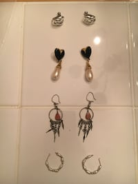 pair of silver and black earrings Fairfax, 22033