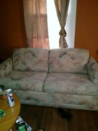 white and pink floral fabric 2-seat sofa Roanoke, 24017