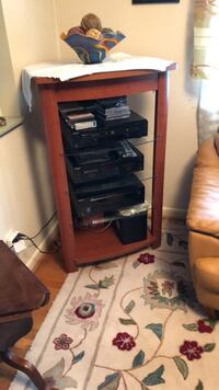 Stereo System with shelf Gaithersburg, 20882