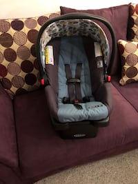 Graco infant car seat with 2 car seat bases included  Catonsville, 21228