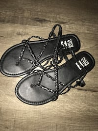Pair of black thong braided sandals size 7 Altamonte Springs, 32701