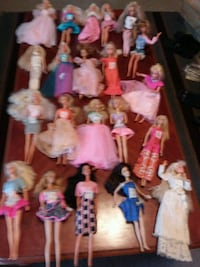 Barbies $1 & $2 EACH OR ALL 44 / $35.
